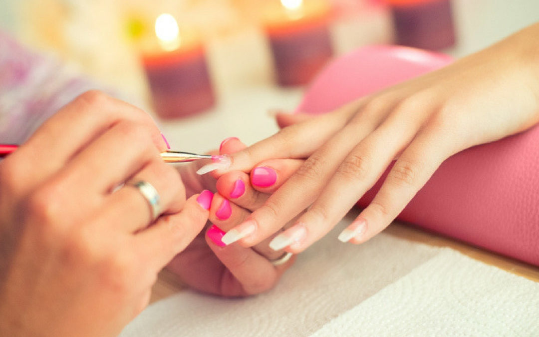 La moda della ricostruzione unghie